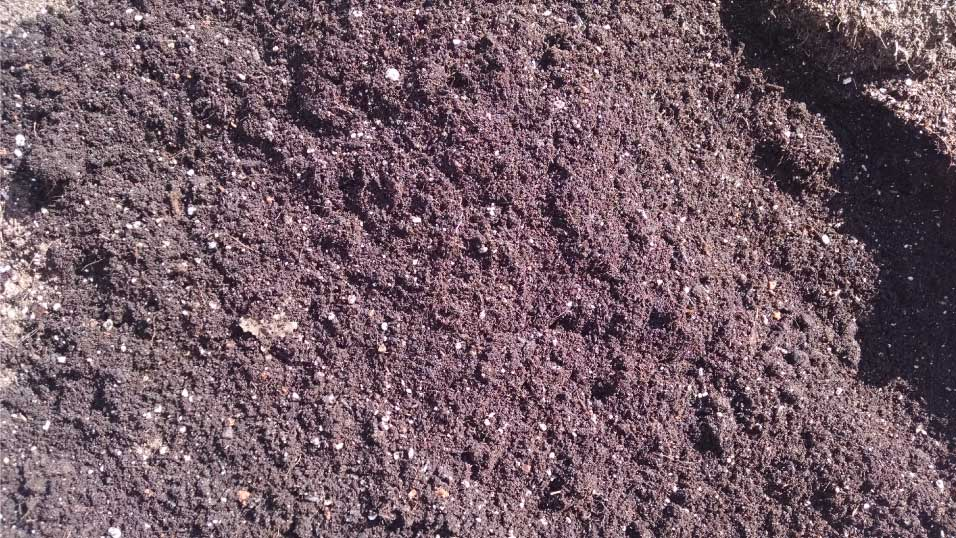 Soil and Compost Mix - Growers Blind